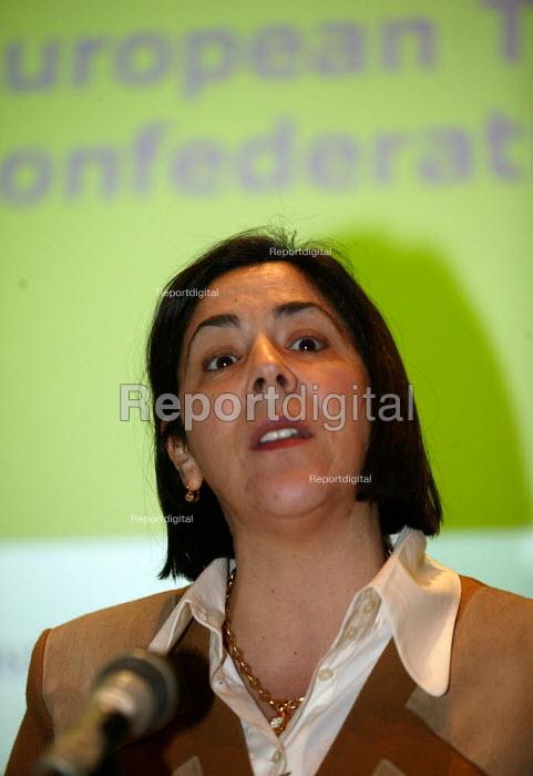 Maria Helena Andre ETUC at TUC Unite against fascism rally NEC. - John Harris - 2004-04-03