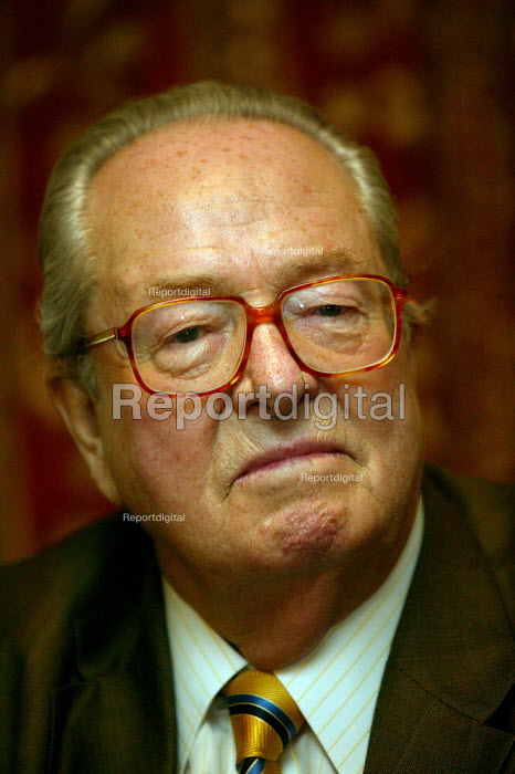 Jean-Marie Le Pen of the French National Front visiting BNP. Manchester. - John Harris - 2004-04-25