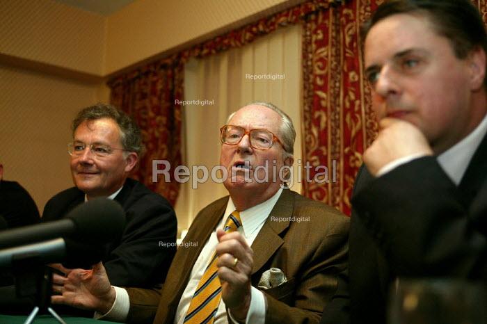 BNP councillor Len Starr - John Harris - 2004-04-25