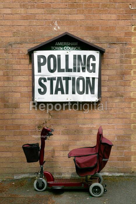 Disabled transport outside the polls. Amersham, Buckinghamshire - John Harris - 2004-06-10