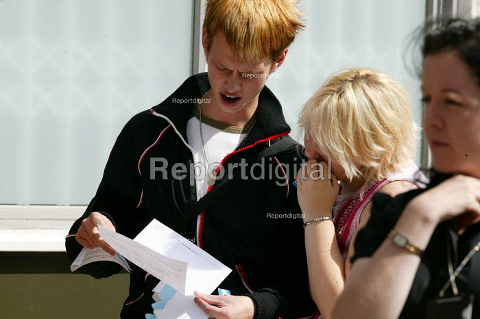 Students looking at their A level results, Stratford upon Avon College. - John Harris - 2004-08-19