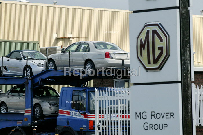 Cars leaving on a car transporter MG Rover Group Longbridge Birmingham as production is halted. - John Harris - 2005-04-07