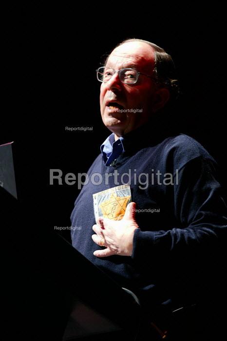 Holocaust survivor Paul Oppenheimer speaking, Blackburn. - John Harris - 2005-06-13