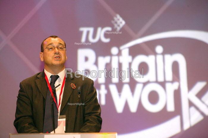 Graham Colk CWU addressing TUC Congress 2006 - John Harris - 2006-09-12