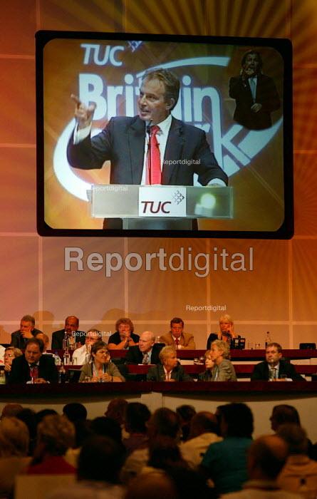 Image of Tony Blair addressing TUC Congress 2006 - John Harris - 2006-09-12