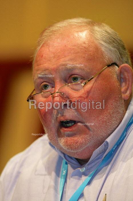 Chris Murphy UCATT addressing TUC Congress 2006 - John Harris - 2006-09-11