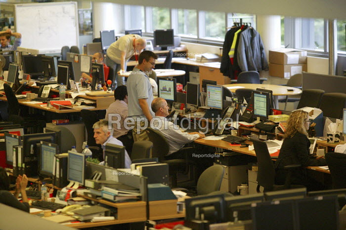 E.On UK trading floor. Buying and selling gas futures. Coventry - John Harris - 2006-10-09