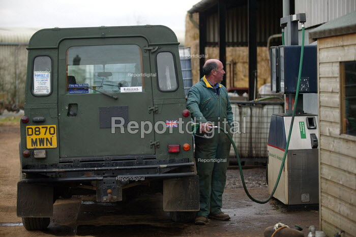 Filling up from Biodiesel fuel pump on a farm in Warwickshire. The fuel is made from cooking oil. It is carbon neutral and sulphur emissions are virtually eliminated. - John Harris - 2007-01-30