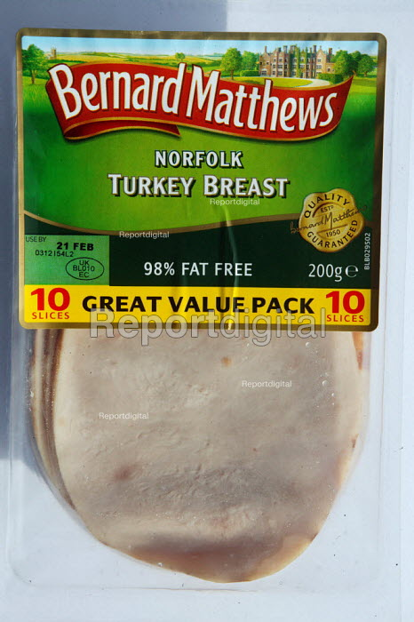 Bernard Matthews Norfork cooked Turkey breast at a supermarket. Concerns that the virus may have entered the food chain after the deadly strain of H5N1 bird flu was identified at their factory in Holton, Norfolk. - John Harris - 2007-02-12