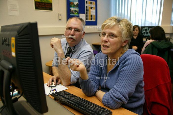 ICT Skills course at Wolverhampton College for teachers. - John Harris - 2007-03-29