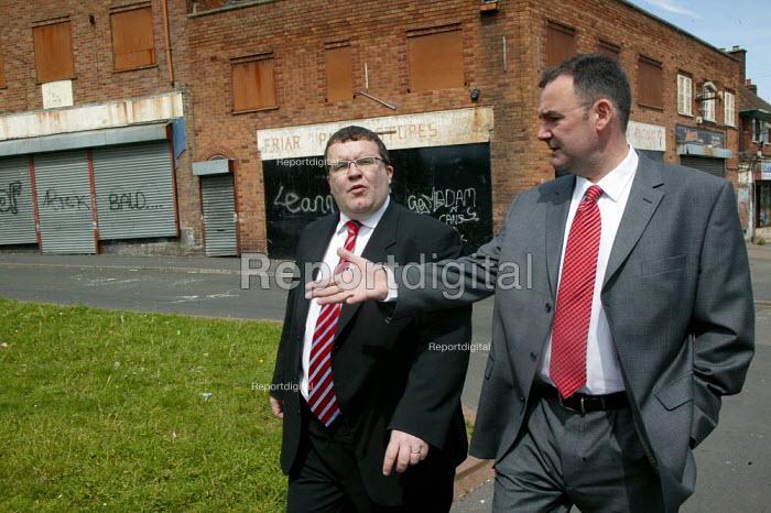 Jon Cruddas MP Deputy leadership campaign launch, Wednesbury, West Midlands. Walking through the run down estate with Tom Watson MP - John Harris - 2007-05-22