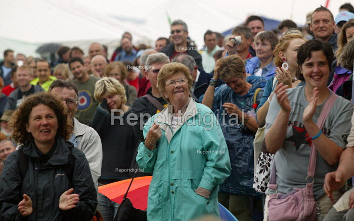 Audience, Tolpuddle Martyrs Festival, Dorset. - John Harris - 2007-07-15