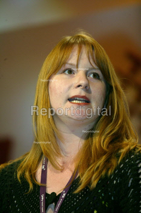Michelle Stanistreet NUJ addressing TUC Conference 2007 - John Harris - 2007-09-12