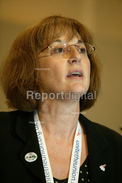 Diana Holland TGWU Unite addressing TUC Conference 2007 - John Harris - 2007-09-12