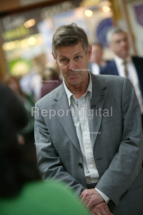 Matthew Parris being interviewed Conservative Party Conference Blackpool - John Harris - 2007-10-02