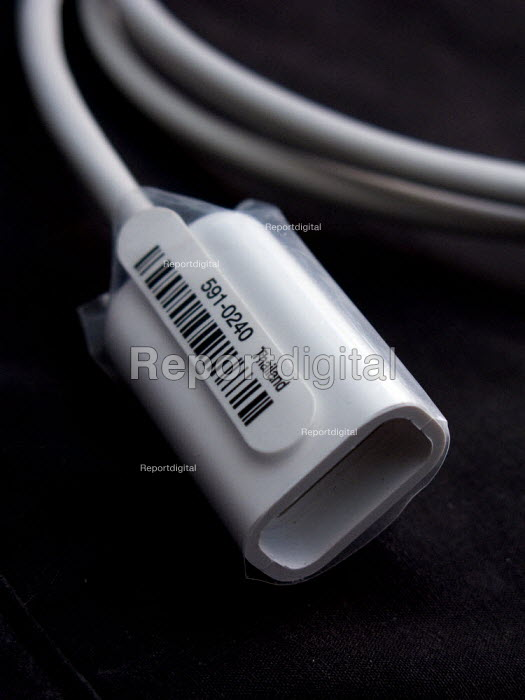 Computer cables, made in Thailand - John Harris - 2008-02-07