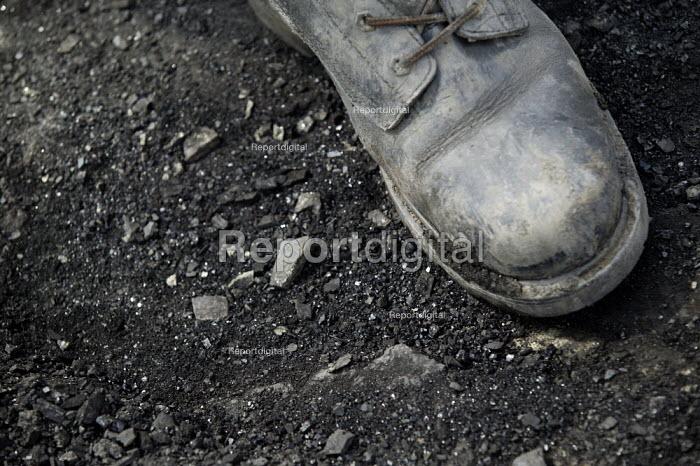 UK Coal opencast mine, Cutacre, Bolton. - John Harris - 2008-04-16