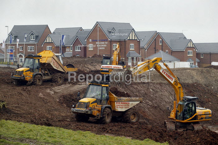 Construction of new houses on the edge of town, Milliners Green, Newcastle Under Lyme - John Harris - 2008-04-03