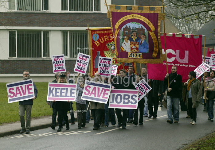Keele university lecturers strike over cuts. Protest by UCU lecturers during their one day strike against job cuts and restructuring. Keele University. - John Harris - 2008-04-03