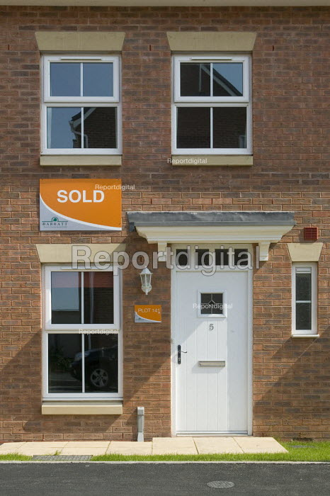 A sold sign on a new terraced house, Warwickshire. - John Harris - 2008-05-14