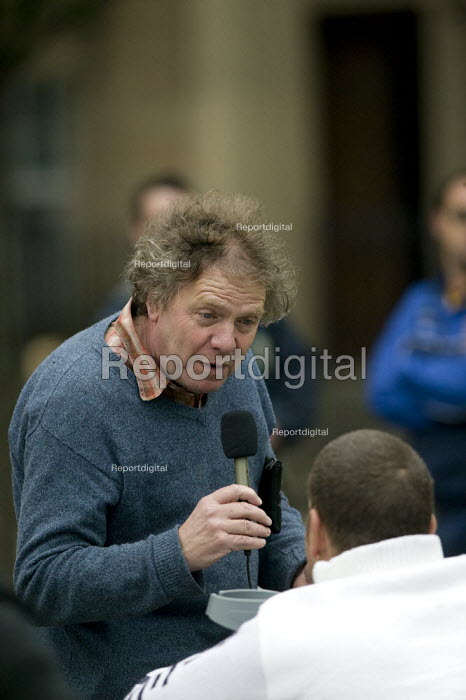 Guardian journalist Martin Wainwright recording an interview for the newspapers web site at a rally of council workers strike over low pay. Wakefield - John Harris - 2008-07-16