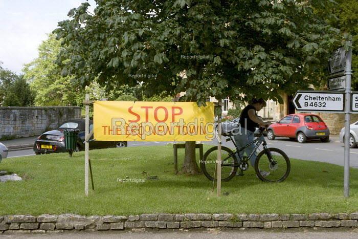 Banner in protest at the proposed new Middle Quinton eco town Mickleton village green, Gloucestershire. - John Harris - 2008-07-29