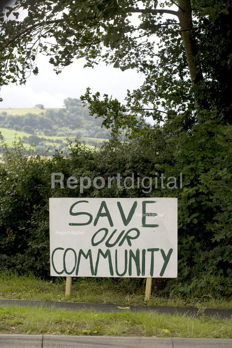 Save our Community Banner protesting at the proposed new Middle Quinton eco town Long Maston village, Warwickshire. - John Harris - 2008-07-29