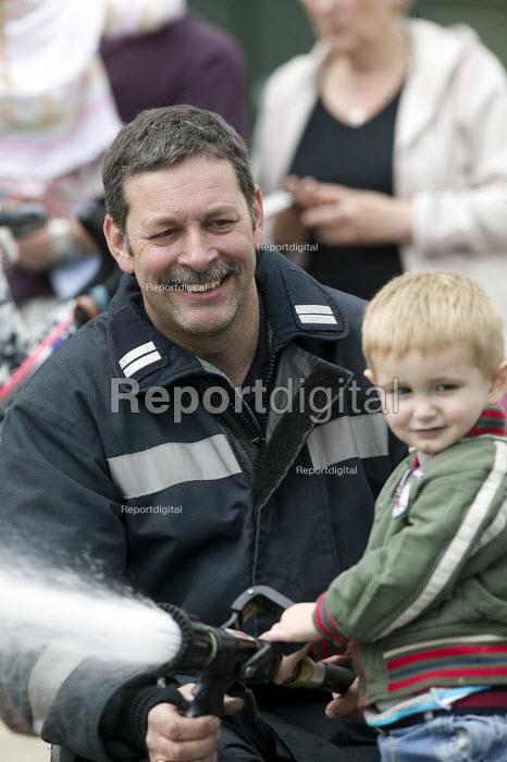 Visit by nursery children, Derbyshire FRS, Ripley fire station, Derbyshire. - John Harris - 2008-07-08