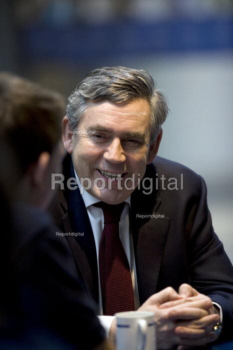 Gordon Brown talking to apprentices, Rolls Royce Derby - John Harris - 2009-01-08