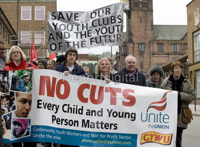 Protest by CYWU against cuts in childrens and young peoples youth services by Coventry City Council who propose to close essential after school clubs and activities; they propose to remove professional terms and conditions for remaining staff in the youth service and put them on zero hours contracts. - John Harris - 2009-02-14