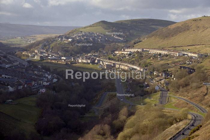 Housing in New Tredegar, South Wales - John Harris - 2009-03-26