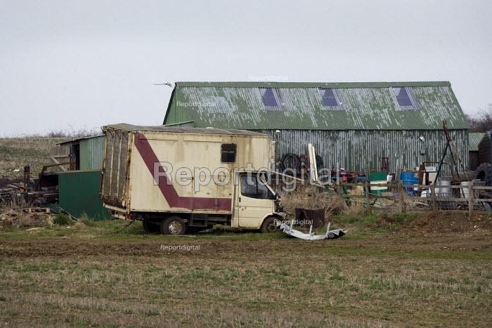 Rustin vehicles and rubbish left on a farm, Lincolnshire. - John Harris - 2009-03-18