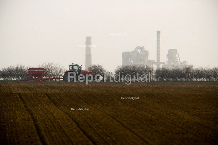 Drilling a field in Leicestershire - John Harris - 2009-03-18
