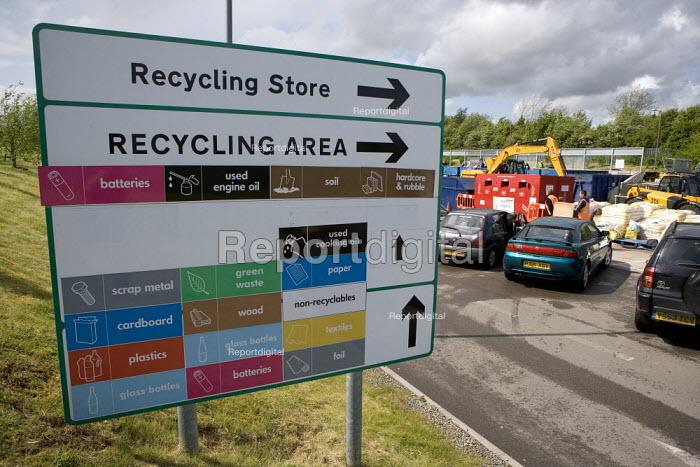 Recycling Area sign, council tip, Warwickshire - John Harris - 2009-05-16