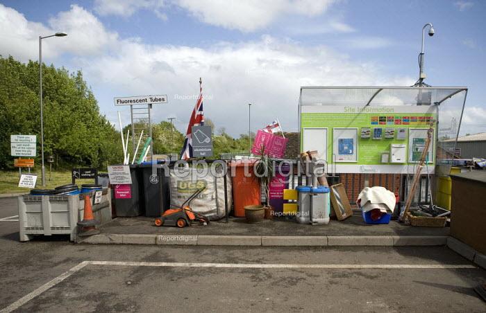 Recycling Area, council tip, Warwickshire - John Harris - 2009-05-16