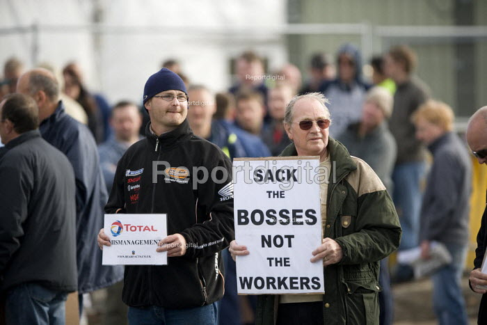 Sack the bosses not the workers. Picket at the refinery. Total has sacked 900 striking contract workers at Lindsey oil refinery in Lincolnshire - John Harris - 2009-06-19