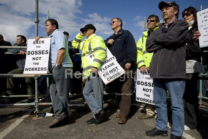 Sack the bosses not the workers. Mass meeting at the refinery. Total sacked 900 striking contract workers at Lindsey oil refinery in Lincolnshire - John Harris - 2009-06-19