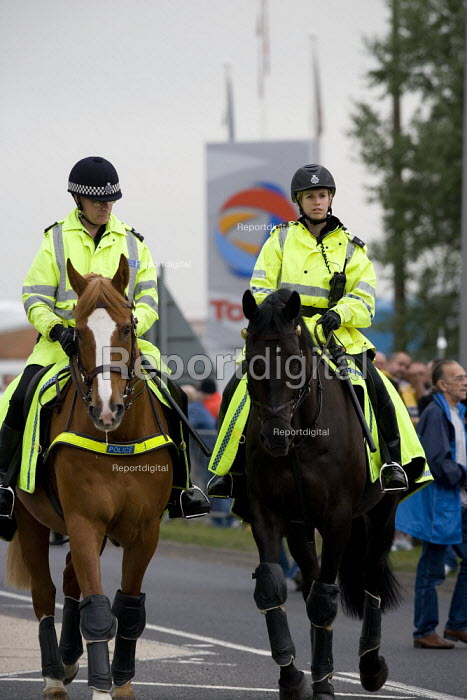 Police horses. Picket at the refinery. Total sacked 900 striking contract workers at Lindsey oil refinery in Lincolnshire - John Harris - 2009-06-23