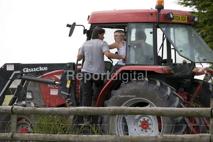 Bailing silage on a farm in Wawickshire - John Harris - 2009-06-24