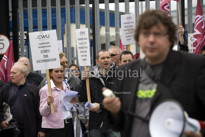 CWU protest against the victimisation of officials at carphone Warehouse. - John Harris - 2009-07-18