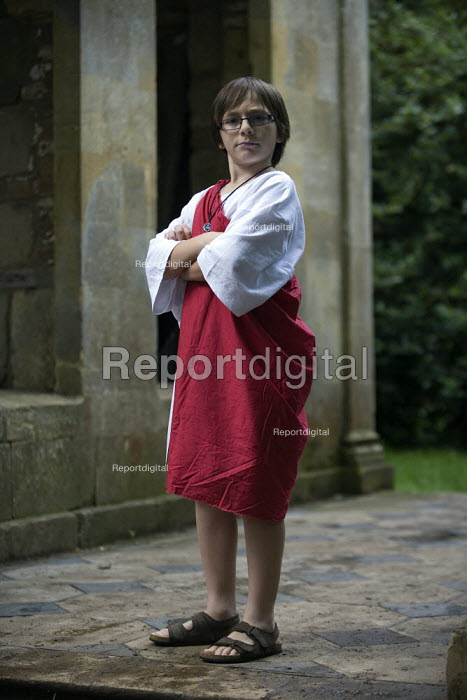 Emilio posing in Greek theatre costume, Stratford on Avon. - John Harris - 2009-07-08