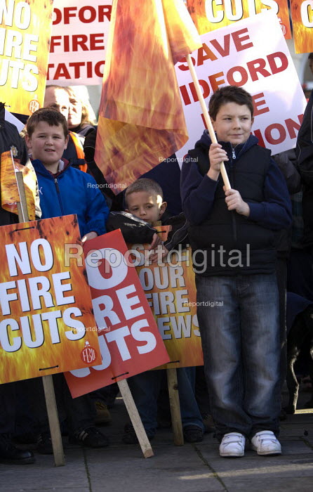 Hundreds of people march through Warwick to protest against the closure of fire stations in Warwickshire. Warwick Fire Station, manned by retained firefighters, is one of seven under consideration for closure. Bidford, Brinklow, Kenilworth, Studley, Fenny Compton and Bedworth stations could also close. - John Harris - 2009-12-06
