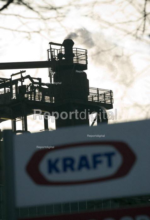 Kraft Foods factory, Banbury. - John Harris - 2010-01-27