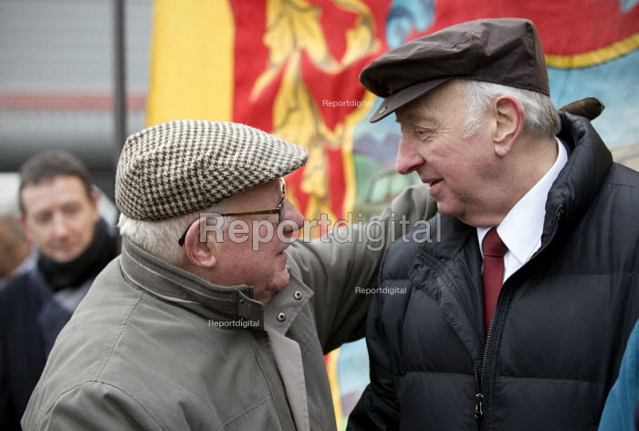 Arthur Scargill NUM being greeted by one of the workers at the picket. Commemoration of the events of forty years ago when the trade union movement won a victory in what is now known as The Battle of Saltley Gates in support of the NUM miners strike, 1972. Birmingham - John Harris - 2012-02-10