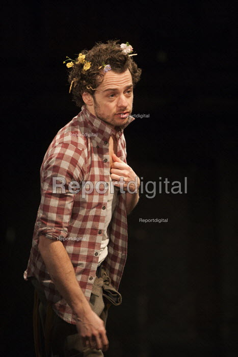 Alex Waldmann as Orlando in As You Like It. RSC, Swan, Stratford-upon-Avon - John Harris - 2013-04-22