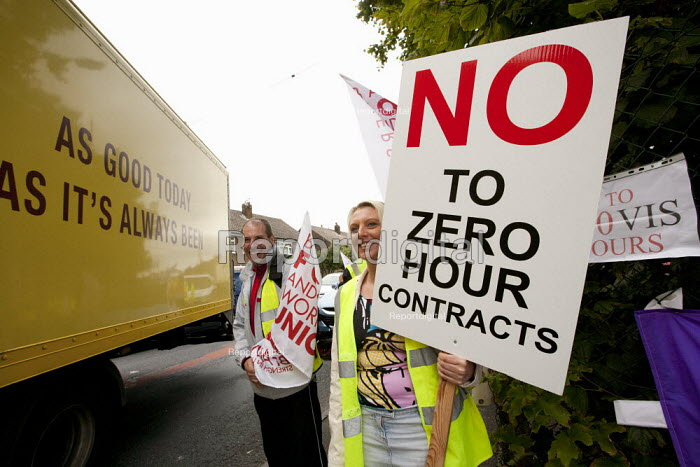 BFAWU members on strike at Hovis (Premier Foods) Wigan over the introduction of agency staff on Zero Hours contracts, redundancies and a reduction in hours from 52 to 40 per week. - John Harris - 2013-08-28