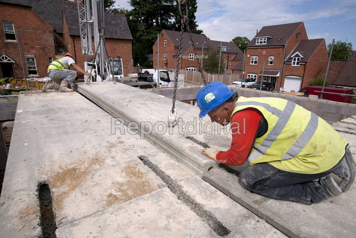 Lower ring concrete slabs into place on the roof. Building site, Warwickshire - John Harris - 2013-08-21