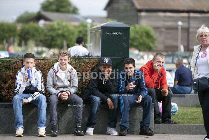 Tourists visiting Stratford upon Avon, Warwickshire - John Harris - 2013-08-24