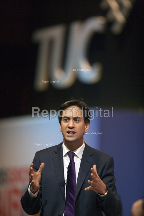 Ed Miliband MP, Labour Party speaking, TUC, Bournemouth 2013 - John Harris - 2013-09-10