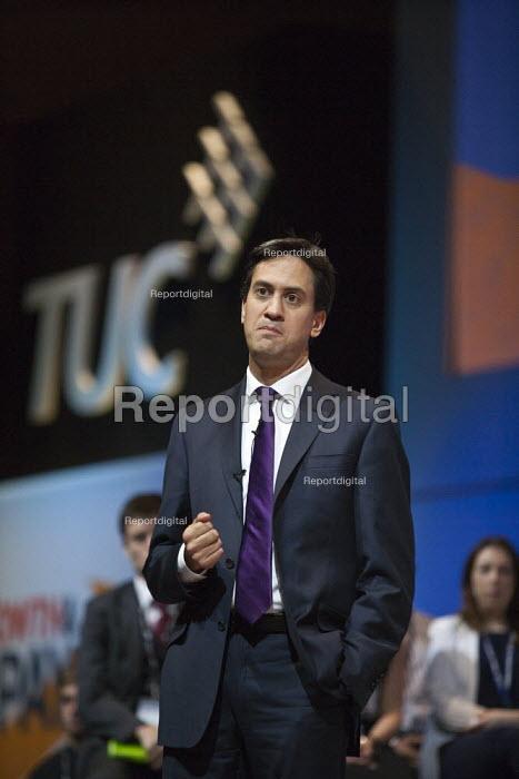 Ed Miliband MP, Labour Party speaking, TUC, Bournemouth 2013 - John Harris - 2013-09-10